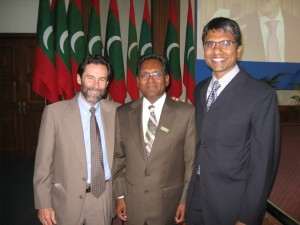 Nick Langton (left) with Vice President Waheed Hassan (center) and Nilan Fernando, The Asia Foundation's Country Representative in Sri Lanka.