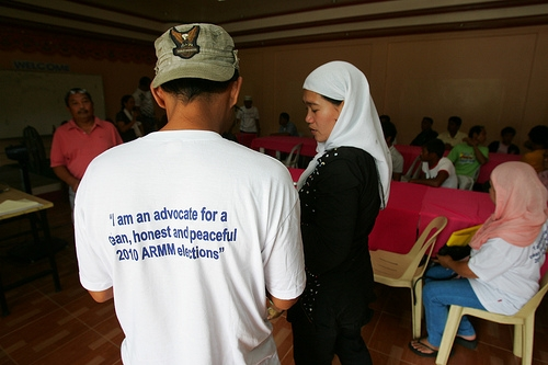 A group gathers in Mindanao for an Asia Foundation training workshop on mitigating election violence. Photo by Karl Grobl.