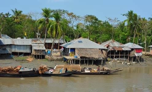 Bangladesh village along river
