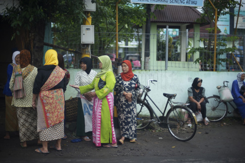Indonesian women at a school