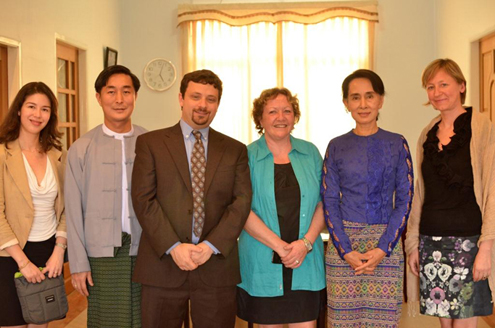 The Asia Foundation's Wendy Rockett (left) and other Beyond Access team members meet with Nobel Peace Prize laureate and Burma MP Aung San Suu Kyi.