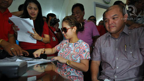 Manny Pacquiao's wife Jinkee Pacquiao files her certificate of candidacy on Tuesday, October 2.