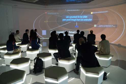 The study tour visited the Smart Grid Information Center and the Climate Change Exhibit Hall in Jeju Island which provided impressive displays of modern emissions reducing technologies.